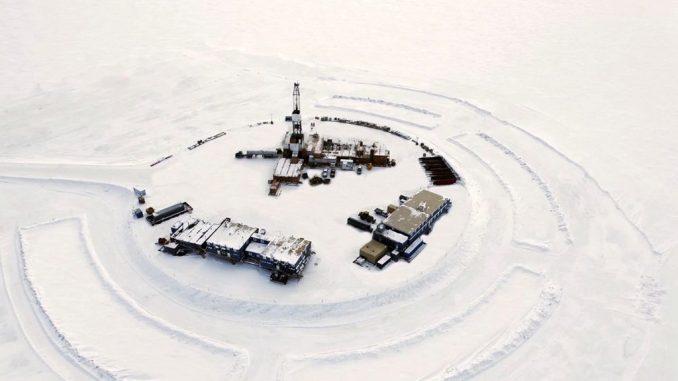 Oil traders bet Saudi Arabia, White House lift oil prices